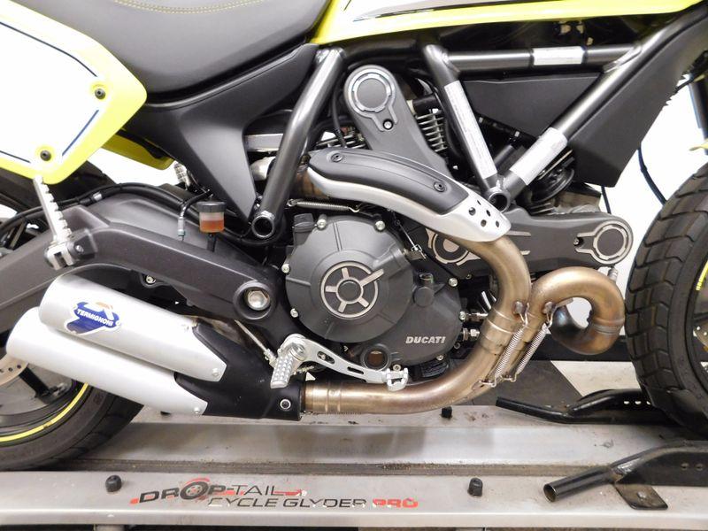 2016 Ducati Scrambler Flat Track Pro  in Eden Prairie, Minnesota