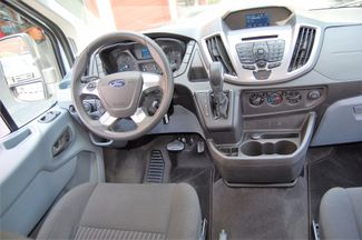 2016 Ford 15 Pass. XLT Charlotte, North Carolina 21