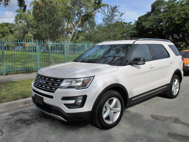 2016 Ford Explorer XLT Come and visit us at oceanautosalescom for our expanded inventoryThis off