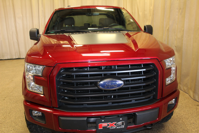 2016 Ford F-150 XLT Roscoe, Illinois 3