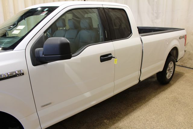 2016 Ford F-150 XLT Long Bed Roscoe, Illinois 7