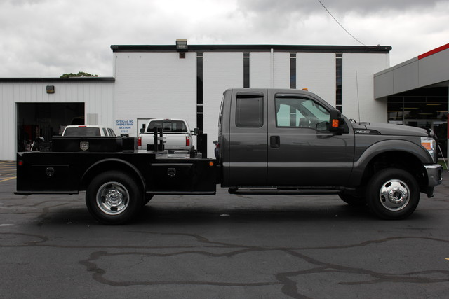 2016 Ford Super Duty F-350 DRW Chassis Cab XL Mooresville , NC 9