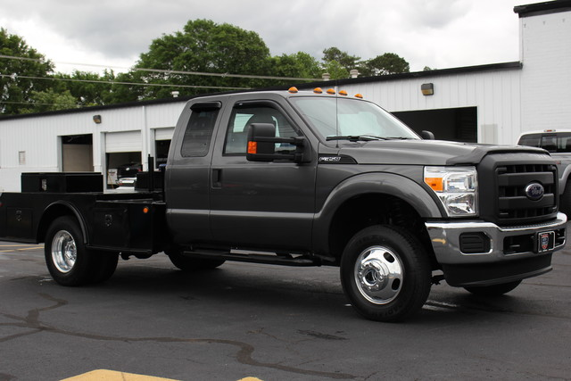2016 Ford Super Duty F-350 DRW Chassis Cab XL Mooresville , NC 10