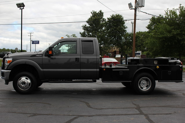 2016 Ford Super Duty F-350 DRW Chassis Cab XL Mooresville , NC 3