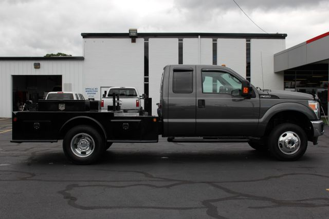 2016 Ford Super Duty F-350 DRW Chassis Cab XL - One Owner - Custom Steel Bed Mooresville , NC 9
