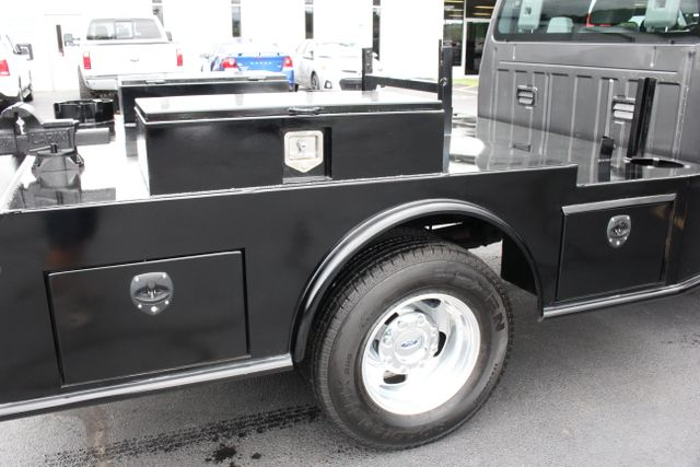 2016 Ford Super Duty F-350 DRW Chassis Cab XL - One Owner - Custom Steel Bed Mooresville , NC 7