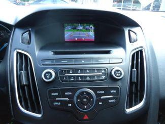2016 Ford Focus SE HATCHBACK. LEATHER. WHEELS SEFFNER, Florida 32