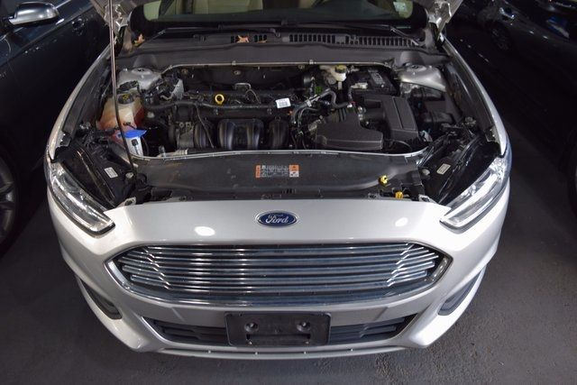2016 Ford Fusion SE Richmond Hill, New York 3