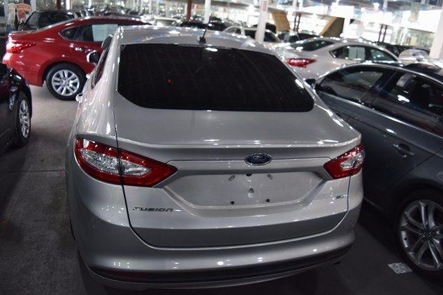 2016 Ford Fusion SE Richmond Hill, New York 7