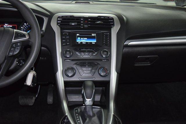 2016 Ford Fusion SE Richmond Hill, New York 16