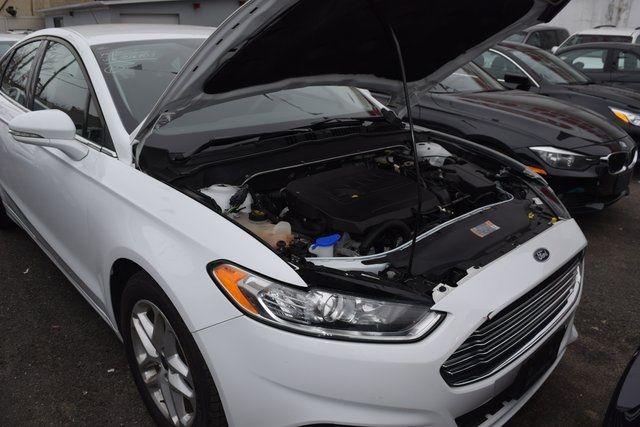 2016 Ford Fusion SE Richmond Hill, New York 14