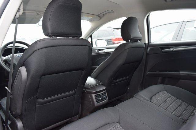 2016 Ford Fusion SE Richmond Hill, New York 31