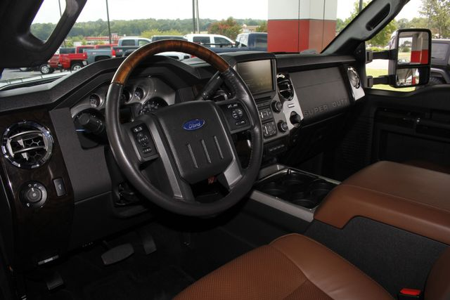 2016 Ford Super Duty F-250 Pickup Platinum Crew Cab 4X4 - LIFTED! Mooresville , NC 41