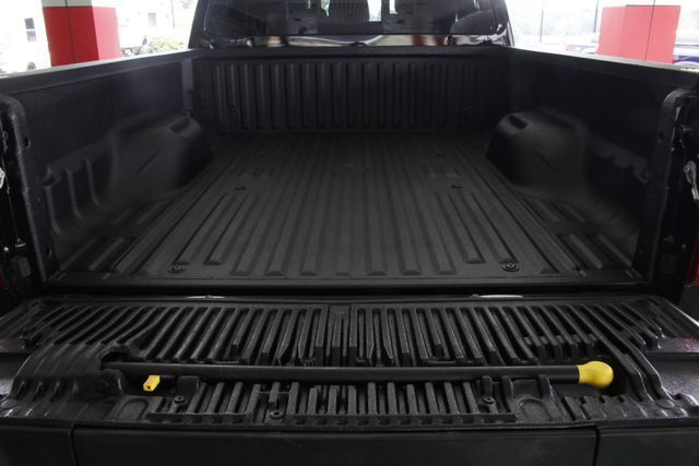 2016 Ford Super Duty F-250 Pickup Platinum Crew Cab 4X4 - LIFTED! Mooresville , NC 18