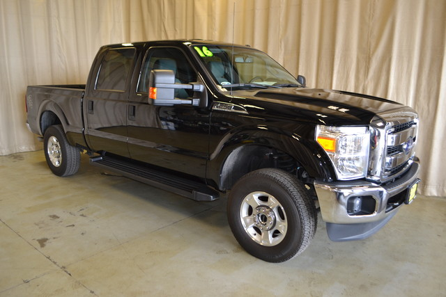 2016 Ford Super Duty F-250 Pickup XLT Roscoe, Illinois 0