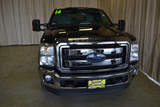 2016 Ford Super Duty F-250 Pickup XLT Roscoe, Illinois 3