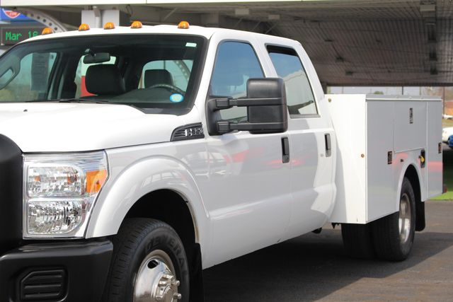2016 Ford Super Duty F-350 DRW Chassis Cab XL Crew Cab RWD - AUTO TRUCK SERVICE BODY! Mooresville , NC 26