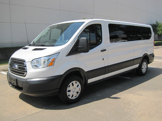 2016 Ford Transit 350 12 Passenger Van,  1 Owner, Like New, NO HAIL SALE Plano, Texas 4