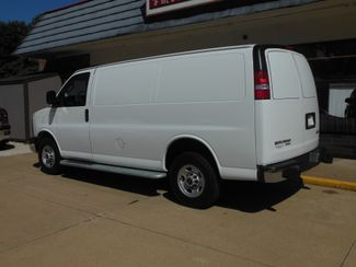 2016 GMC Savana Cargo Van Clinton, Iowa 3