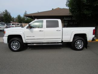2016 GMC Sierra 2500HD Denali  Only 4K Miles  LIKE NEW! Bend, Oregon 1