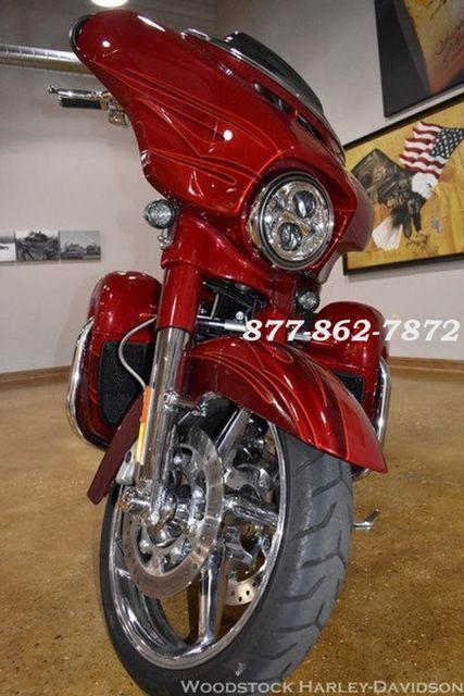 2016 Harley-Davidson CVO STREET GLIDE FLHXSE CVO STREET GLIDE Chicago, Illinois 13