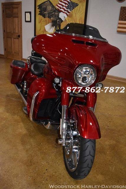 2016 Harley-Davidson CVO STREET GLIDE FLHXSE CVO STREET GLIDE Chicago, Illinois 2