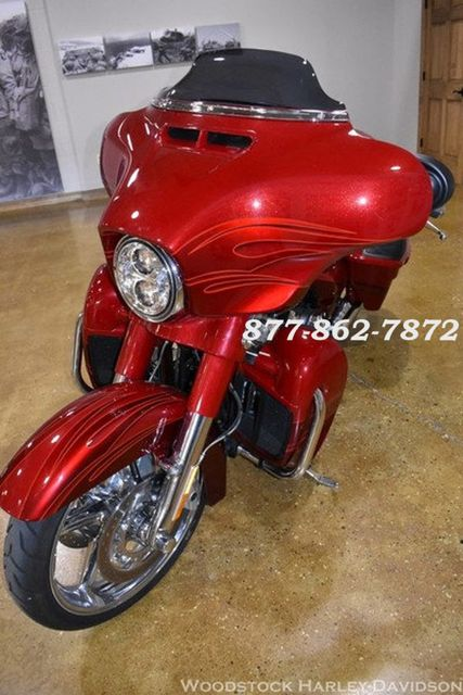 2016 Harley-Davidson CVO STREET GLIDE FLHXSE CVO STREET GLIDE Chicago, Illinois 3