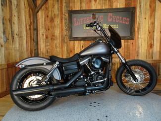2016 Harley-Davidson Dyna® Street Bob FXDB Anaheim, California 11