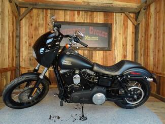 2016 Harley-Davidson Dyna® Street Bob® Anaheim, California 15