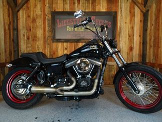 2016 Harley-Davidson Dyna® Street Bob® Anaheim, California 21