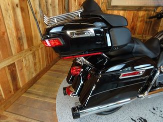 2016 Harley-Davidson Electra Glide® Ultra Limited Anaheim, California 13