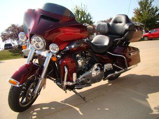 2016 Harley-Davidson Electra Glide® Ultra Classic® Bettendorf, Iowa 9