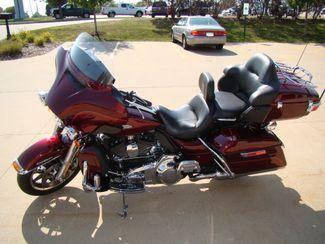 2016 Harley-Davidson Electra Glide® Ultra Classic® Bettendorf, Iowa 8