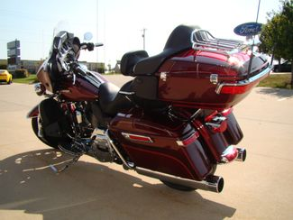 2016 Harley-Davidson Electra Glide® Ultra Classic® Bettendorf, Iowa 10