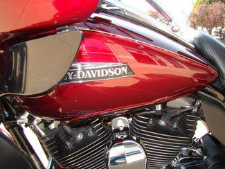 2016 Harley-Davidson Electra Glide® Ultra Classic® Bettendorf, Iowa 7