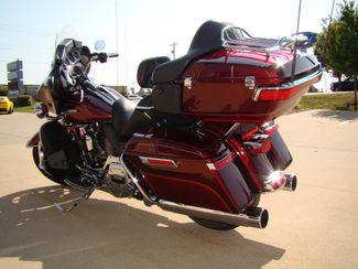 2016 Harley-Davidson Electra Glide® Ultra Classic® Bettendorf, Iowa 11