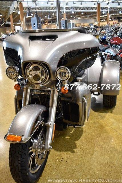 2016 Harley-Davidson FLHTCUTG TRI GLIDE ULTRA CLASSIC TRIKE TRI GLIDE TRIKE McHenry, Illinois 3