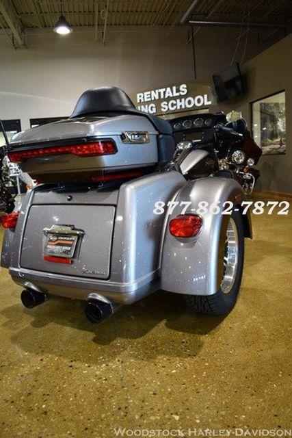 2016 Harley-Davidson FLHTCUTG TRI GLIDE ULTRA CLASSIC TRIKE TRI GLIDE TRIKE McHenry, Illinois 8