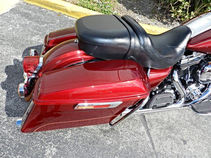 2016 Harley-Davidson Road King FLHR Save  FACTORY WARRANTY  city Florida  MC Cycles  in Hollywood, Florida