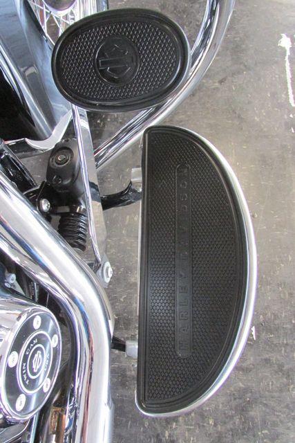 2016 Harley-Davidson Softail® Heritage Softail® Classic Arlington, Texas 13