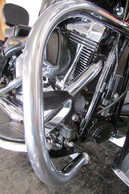 2016 Harley-Davidson Softail® Heritage Softail® Classic Arlington, Texas 20