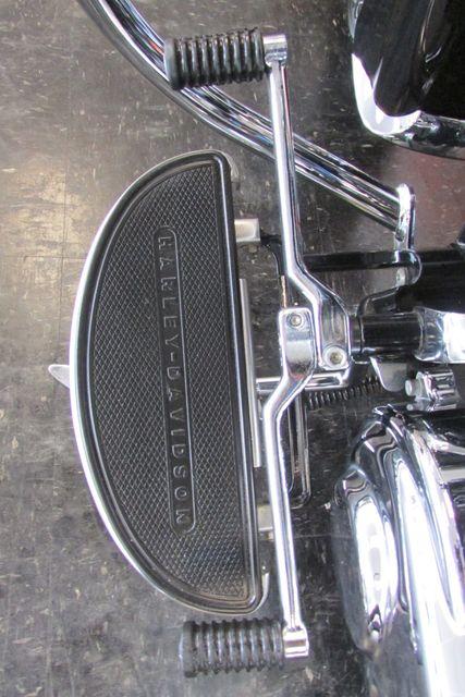2016 Harley-Davidson Softail® Heritage Softail® Classic Arlington, Texas 34