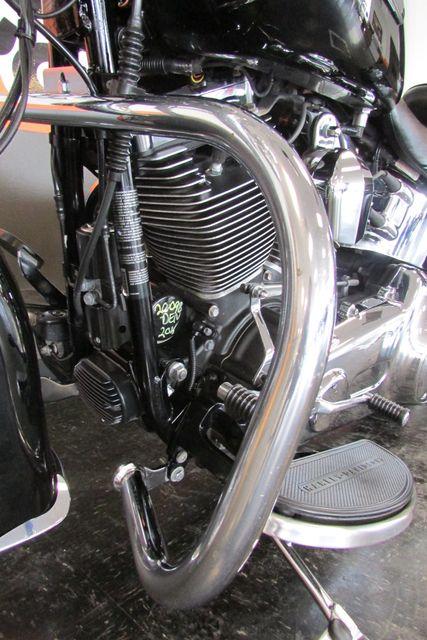 2016 Harley-Davidson Softail® Heritage Softail® Classic Arlington, Texas 39