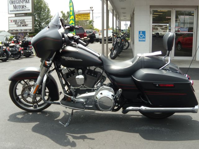 2016 Harley-Davidson Street Glide® Special Ephrata, PA 7