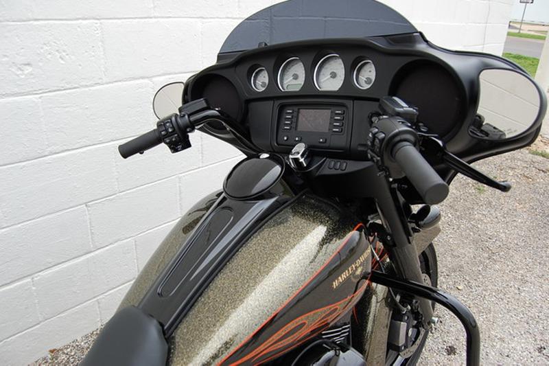 2016 Harley-Davidson Street Glide®  | Hurst, TX | Full Boar Cycles in Hurst, TX