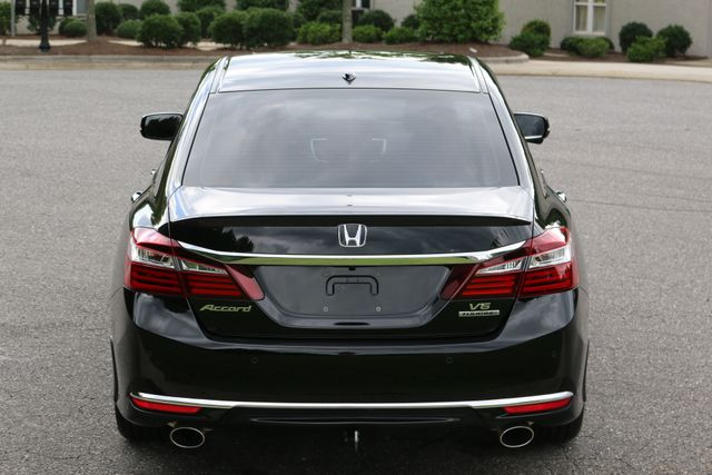 2016 Honda Accord V6 Touring Mooresville, North Carolina 5
