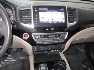 2016 Honda Pilot Touring Farmington, Minnesota 9