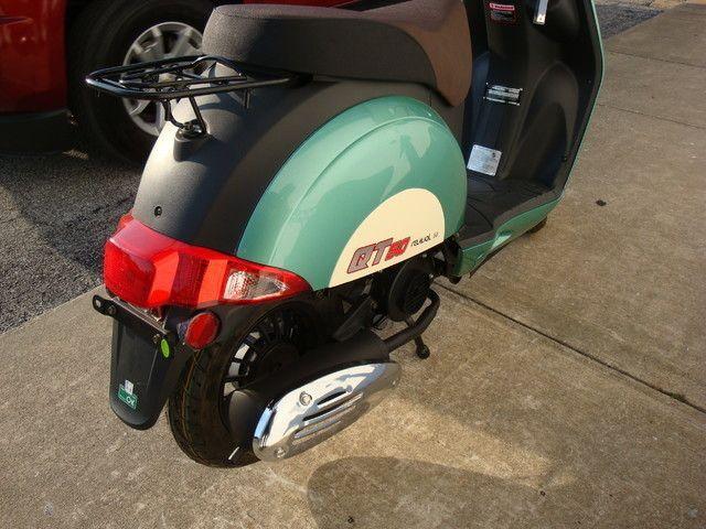 2016 Hyosung QT-5 Scooter Daytona Beach, FL 6