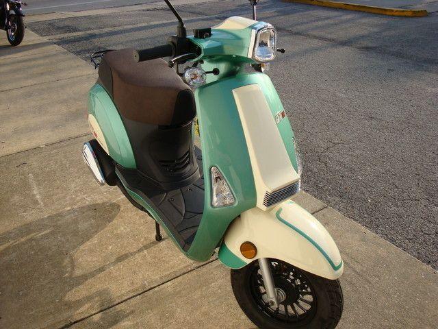 2016 Hyosung QT-5 Scooter Daytona Beach, FL 4