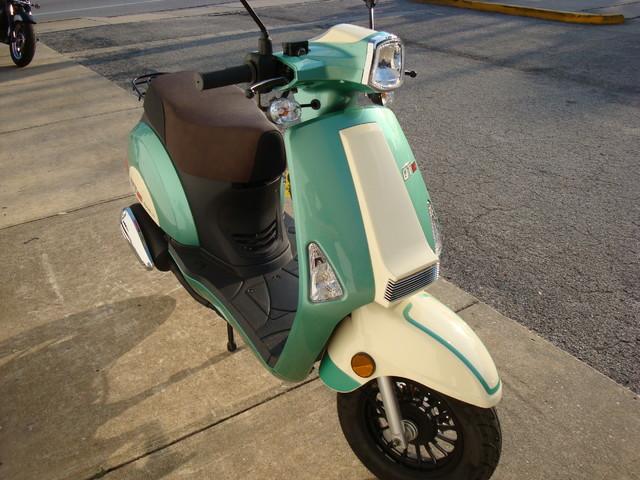 2016 Hyosung Qt5 Scooter Daytona Beach, FL 6